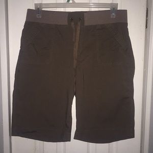 Brown shorts (Cato)